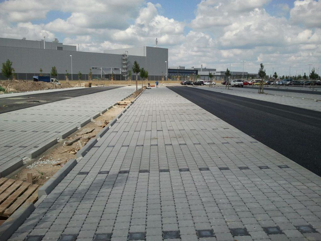 Építőipari műszaki ellenőrzés, Mercedes gyár, Kecskemét, út és közmű